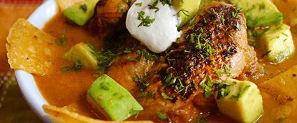 SOPA MEXICANA CON ALITAS BBQ
